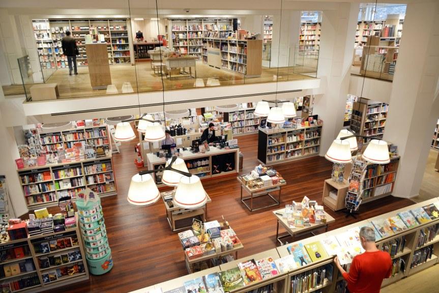 foyles-bookshop-stephen-morris-london